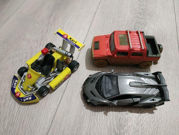 Машинки в хорошем состоянии.Цена за 3 штуки.