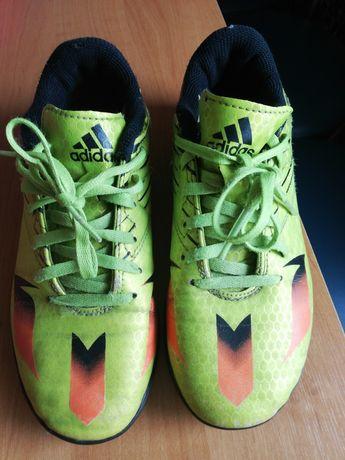 Turfy adidas do gry w piłkę nożną.