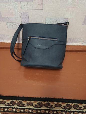 Продам новую женскую сумочку.