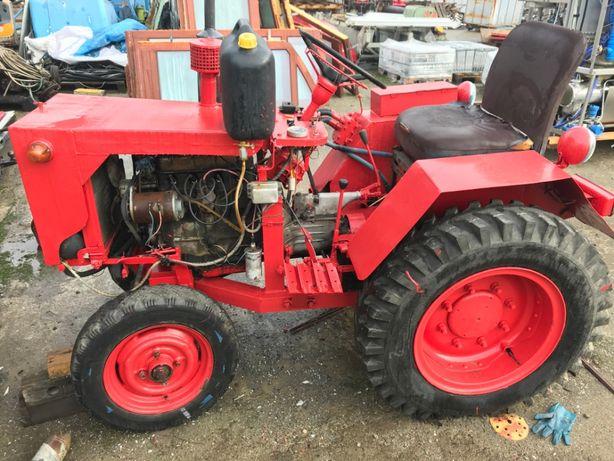 SAM, Traktor, ciągnik silnik 4 cylindorwy Skoda, podnośnik