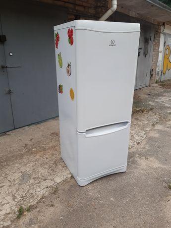 Продам холодильник индезит в хорошем состоянии