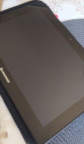 Czarny tablet Lenovo
