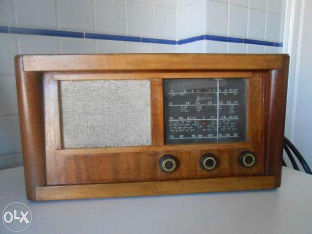Rádio muito antigo zenith