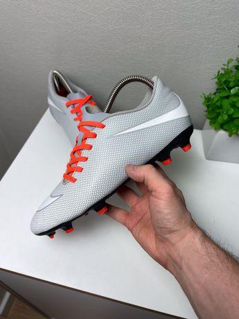 Футбольные бутсы Nike original 42 бампы шиповки мужские 26см легкие