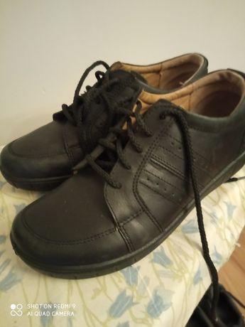 Buty czarne , półbuty 37. (4 1/2 H)