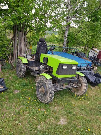 traktorek sam 4x4