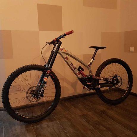 Велосипед / Bike Dh 2021 YT Tues Pro 29 (L) : Condition 10/10