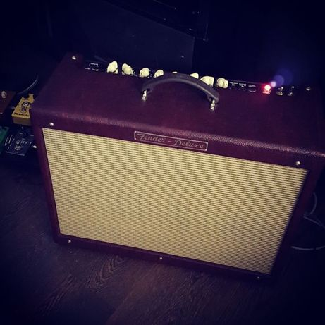Fender Hot Rod Deluxe Wine Red Edition