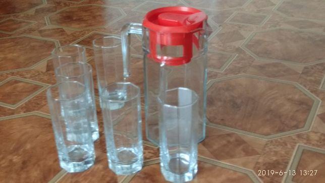 Продам набор: графин и 6 стаканов