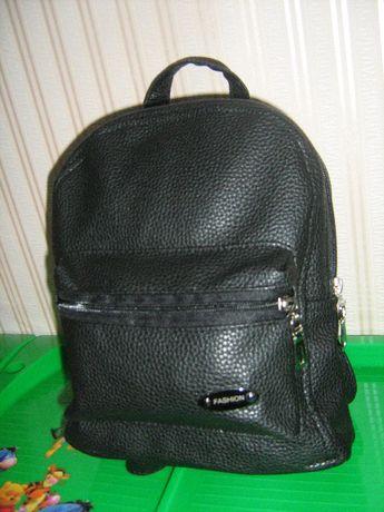 Рюкзак для девочек, маленький кожзам. Подойдут под любой стиль одежды