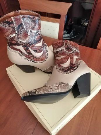 Бежевые ботильоны, казаки, сапоги, ботинки, черевики