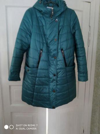 Женская теплая куртка, размер 52.