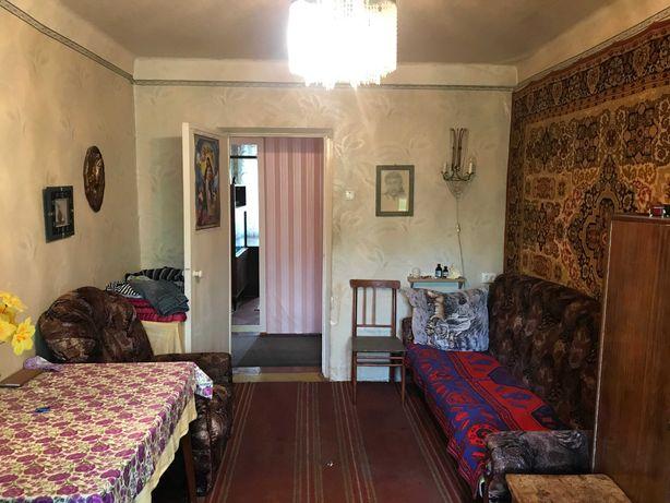 Квартира в жилом , советском  состоянии , улица Нади Курченко .