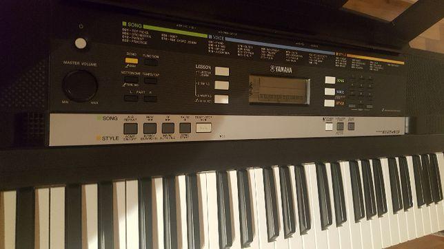 keyboard yamaha E 243