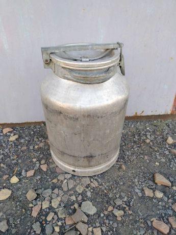 Бидон алюминиевый для пищевых продуктов-1 500 руб.