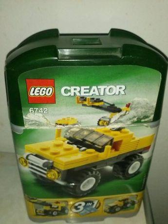 pudełko z klocków lego
