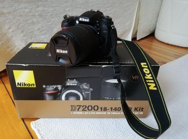 Nikon D7200 z obiektywem 18-140 VR