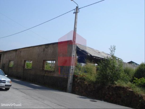 Vende-se Terreno, Vila de Prado