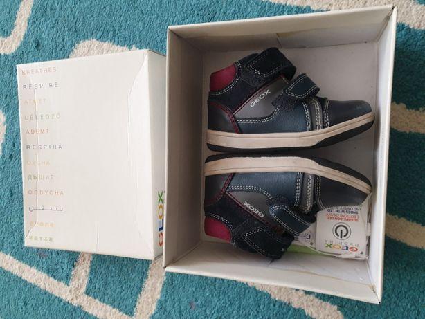 Buty chłopięce Geox, rozmiar 22