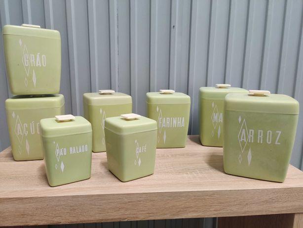 Plasticos recipientes caixas vintage - Set 1