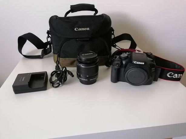 Máquina reflex Canon EOS 550D