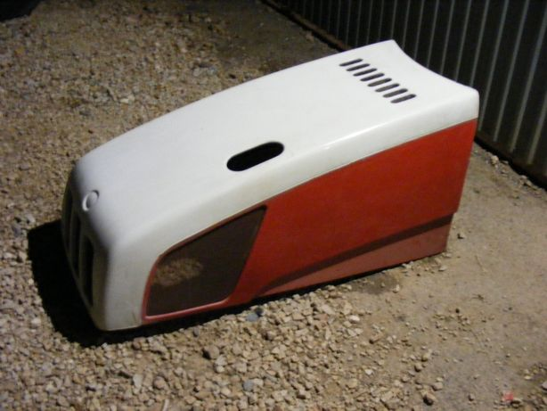 Maska,pokrywa silnika Steyr 4 cylindrowy