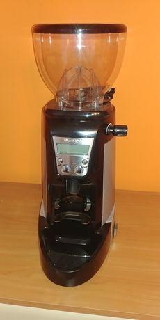 Młynek do kawy , mało używany