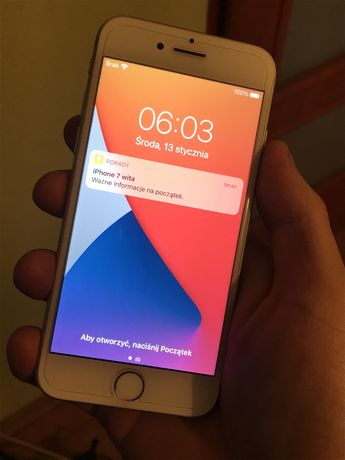 Iphone 7 32GB jak nowy, zero rys, zero uszkodzen! gratisy!