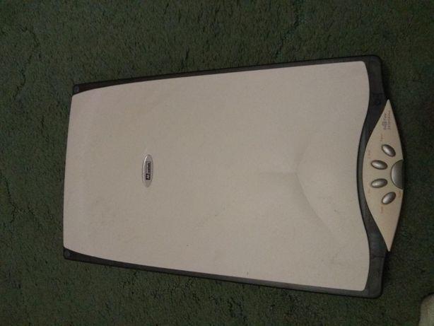 Рабочий сканер Mustek BearPaw 2400CS Plus