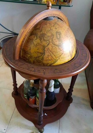 Bar garrafeira Globo Terrestre