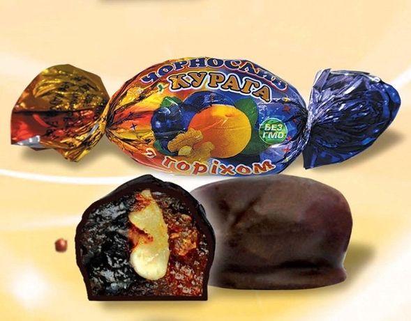 Конфеты фрукты в шоколаде с орехами
