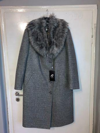Nowy płaszcz damski 46