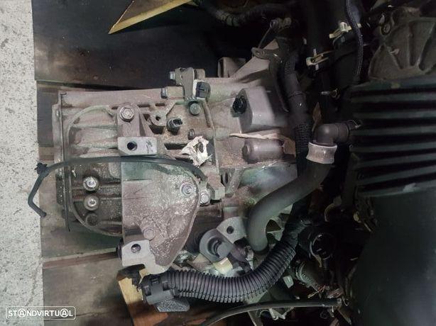 Caixa Velocidades Peugeot 407 / Citroen C5 / C6 2.2 Hdi Ref. 20MB15