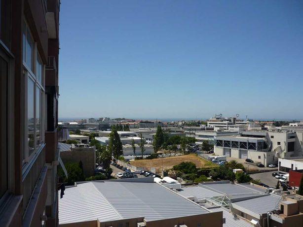T2, Carnaxide, perto do Hospital de Santa Cruz
