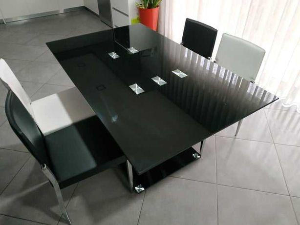 Mesa em Vidro e 4 Cadeiras