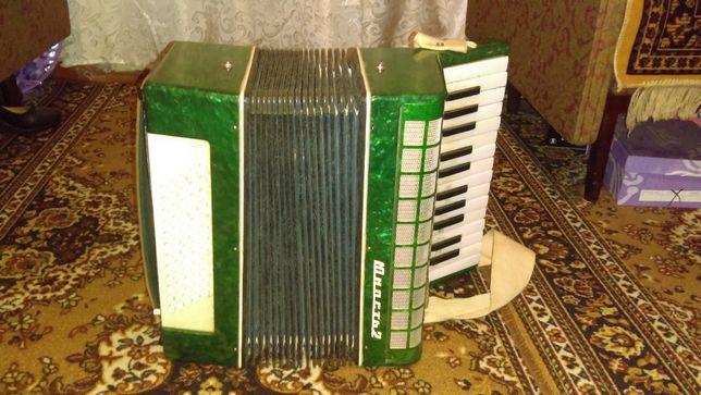 Продается аккордеон Юность-2.
