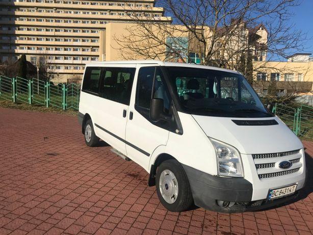 Продам Ford Transit 2012 года оригинальный пассажир 9 мест 2.2 дизель