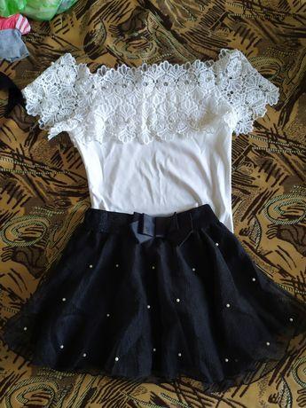 Юбка - шорты и 2 блузочки черная и белая