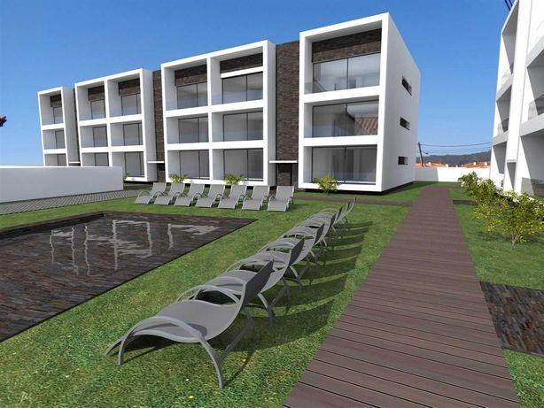Apartamento T2 Condomínio fechado com piscina a 100m da praia