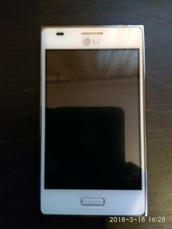 Телефон LG L5