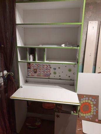 Мебель в детскую Письменный стол с надставкой + шифоньер + шкаф