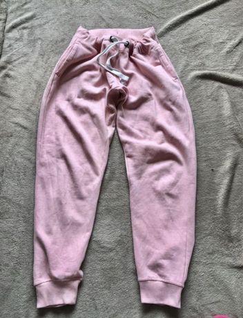 Спортивные штаны Проданы!!!женщина которая купила напишите сюда