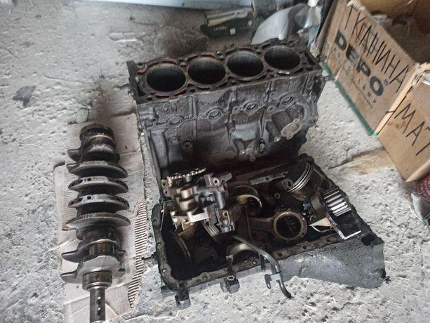 Піддон Пежо 406/605/306/806 помпа 2.0 бензин  ГБЦ rfv(xu10j4r)