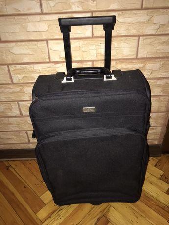 Ручна поклажа,валіза,чемодан