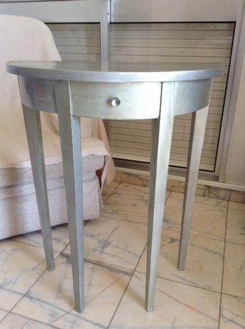 Mesa de Apoio / Mesinha de corredor - meia lua madeira pintada cinza