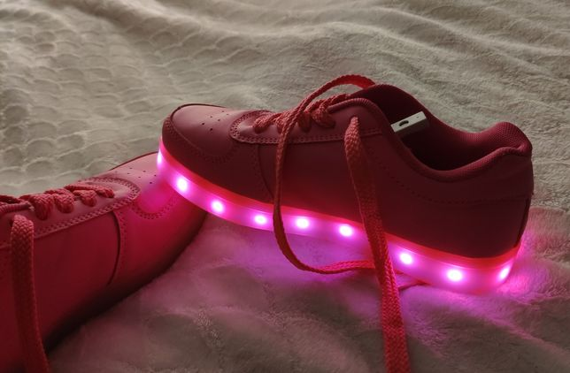 Buty dziewczęce LED