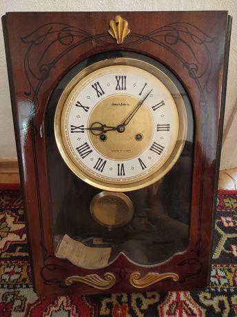 Продам часы с маятником