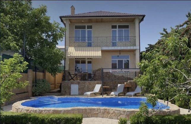 Сдам отличный дом в Крыжановке с бассейном.