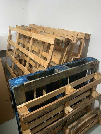 Conjunto de 7 paletes de madeira