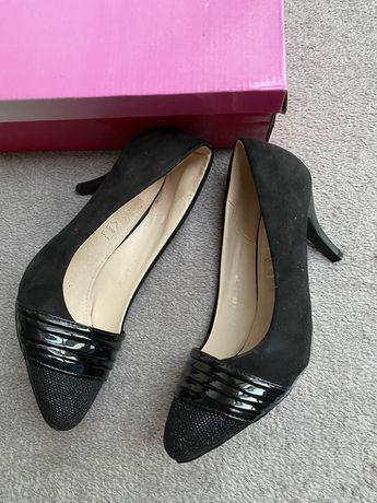 Buty klasyczne czarne czółenka rozmiar 39